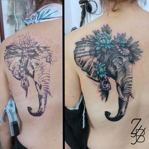 Un cover up qui trompe l'oeil... 🐘💝😁 Merci à mes clientes d'être venues jusqu'à Colmar ! #elephant #elephanttattoo #coverup #cover #coveruptattoo #covertattoo #saphir #flower #flowertattoo #camelia #tattoo #tatouage #zeldabjj #zeldablackjeanjacques #colmartattoo #alsacetattoo #frenchtattoo #graphic #graphicdesign #graphictattoo #graphicdesigntattoo #colortattoo #maker #makertattoo
