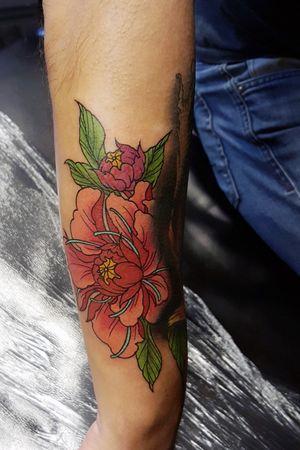 #tattoo #tattooartist #tattooart #lotus #flower #flowertattoo #japaneseflower #color #inked #ink #art #artist #tattoomagazine #tattoomag