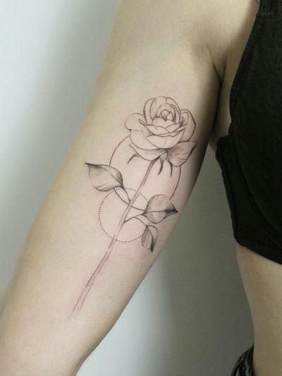 #rosetatto #rosestattoo #flower #flowerstattoo #flowertattoodesigns #flowertattoo #flowers #floraltattoo #flora #floral #floraldesign #floralsleeve #fineartist #finelinetattoo #finelines #finelinestattoo #tattooforgirls #tattoosforwomen #tattoosforgirls #delicate