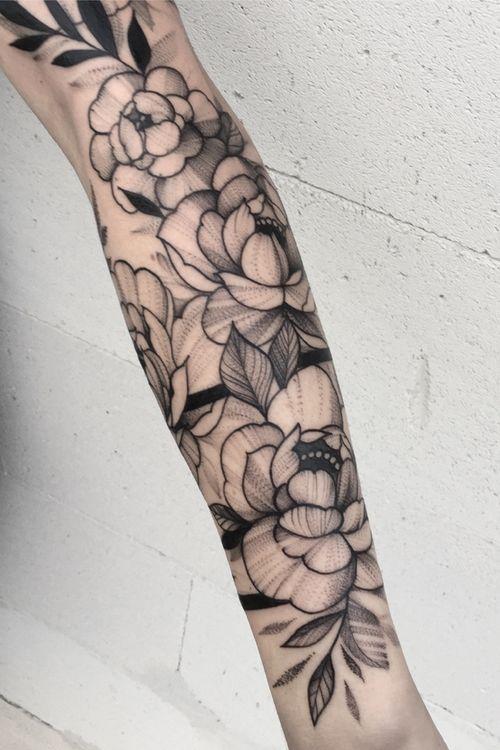 👌🌿#tattoo #tattoos #art #girlytattoo #iblackwork #blacktattoo #btattoing #flowertattoo #dotwork #bandtattoos #polandtattoos #ink #inked #l4l #gdansk #xystudio #picoftheday