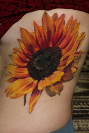 #colorrealism #coveruptattoo #sunflower done in about 7.5 hours ✨