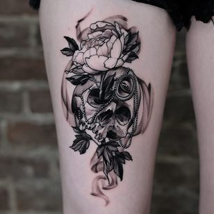 Tattoo by Andrew Borisyuk #AndrewBorisyuk #blackandgrey #illustrative #neotraditional #skull #death #skeleton #jewel #gem #pearls #eye #peony #flower #floral #leaves #nature #smoke