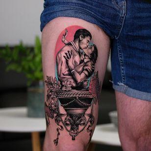 Tattoo by Andrew Borisyuk #AndrewBorisyuk #blackandgrey #color #flowers #floral #pearls #filigree #lovers #couple #kiss