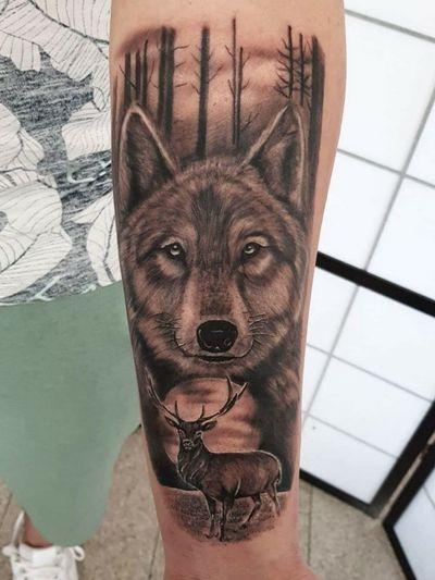 #wolf #wolftattoo #wolfhead #deer #deertattoo #deerandwolf #forest #forearm #forearmtattoo