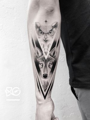 By RO. Robert Pavez • Night Lords IX • Done in studio ZOI TATTOO • Stockholm 🇸🇪 2018 #engraving #dotwork #etching #dot #linework #geometric #ro #blackwork #blackworktattoo #blackandgrey #black #tattoo #fineline