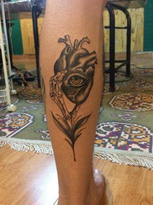 #hearttattoos #eyetattoo #illustrationtattoo #tattoo #tattooart #blackandgrey #blackwork #blackworktattoo #heart #eye
