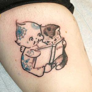 Tattoo by rat666tat #rat666tat #kewpietattoo #kewpiedolltattoo #kewpie #kewpiedoll #cutie #baby #illustrative #queer #cat #kitty #spiderweb #flower #heart #tattooed