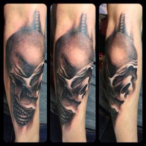 Black and grey hanging skull on an artist sleeve. Design by him. IG: @eric_artistica FB: www.facebook.com/MR.INK #tattoo #tattooed #skull #blackandgreytattoo #tattooartist #artistica #artisticatattoo #artisticasingapore