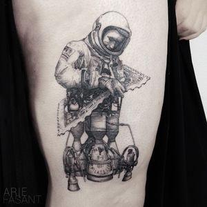 Kimberley we did it ! what a finally ! Now i can call my love :-) ARIE ON TOUR :@labohemetattooparlour🇮🇹 3/10 - 6/10@inkdistrictamsterdam🇳🇱 12/11 - 17/11@l_officine110🇫🇷 4/12 - 8/12 #blacktattooart #inkedm #ag #tattrx #TAOT #blackwork #tattooing #ttblackink #iblackwork #blxckink #darkartists #inkstinctsubmission #blacktattoomag #onlyblackart #blackworkers_tattoo #contemporary #tttism #blackworkerssubmission #blackinkmag #tattoosnob #astronaut #astrotattoo #handelsdokkaai@handelsdokkaai@punctumtattoostudio