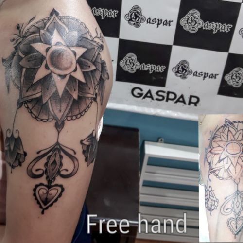 Free hand #freehand #freehandtattoo #hand #mandala  #mandalatattoo  #mandalas