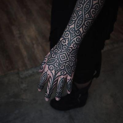 Tattoo by James Lau #JamesLau #patterntattoos #pattern #ornamental #linework #blackwork #design #motif #symbol #tribal