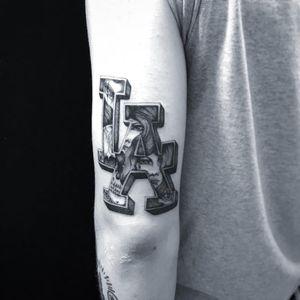 Tattoo by Jose Araujo Martinez #JoseAraujoMartinez #detailedtattoos #detailed #intricate #LosAngeles #LA #ladyhead #portrait #skull #sadgirl #lady