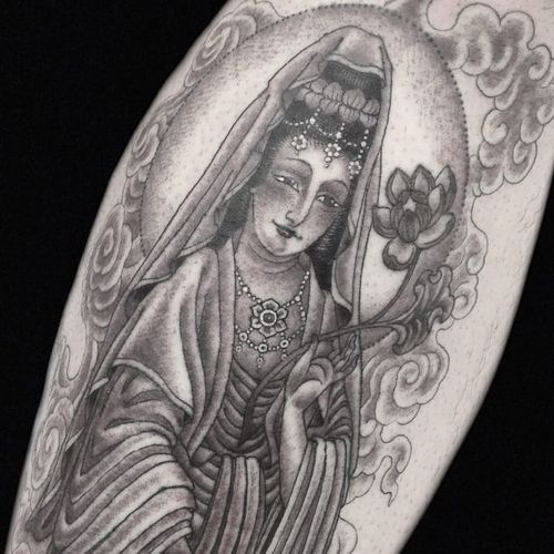 Tattoo by Hanna Sandstrom #HannaSandstrom #Buddhisttattoos #Buddhist #Buddha #meditation #mindfulness #peace #love #compassion #QuanYin #lotus #crown #clods #flower #floral