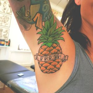 Fresh Pineapples. Smell my armpit. #pineapple #pineappletattoo #armpit #armpittattoo #colortattoo #colortattoos #crazytattoo #cool