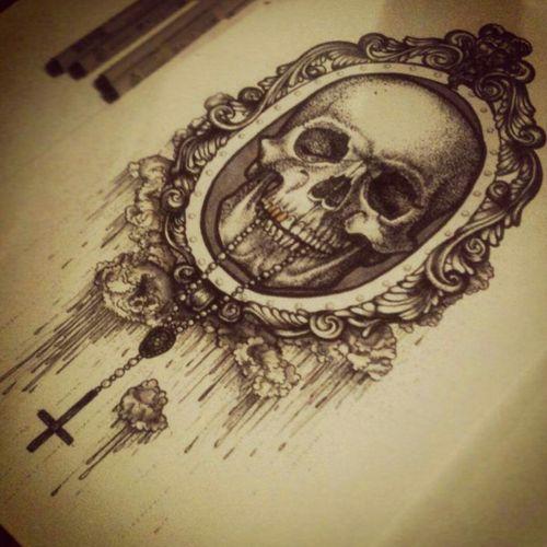 Apenas o espelho, sem a caveira e a cruz. A intenção é fazer o espelho na tatto que já tenho.