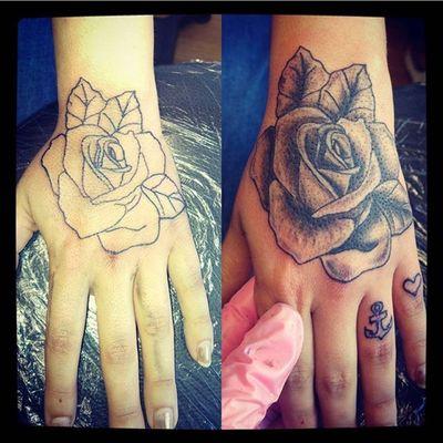 A hand rose tattoo & anchor & heart finger tattoos I did ❤️ #rose #anchor #heart #tattoo #tattooart #tattoostyle #tattoodesign #blackandwhite #eternalink #linework #shading #everafterart #neotraditionalstyle #neotraditionaltattoo #neotraditionalrose #rotarymachine