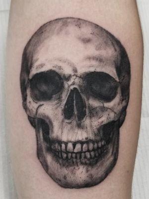 Always a favorite, I could do skulls everyday. #skull #skulltattoo #realism #realistictattoo #blackandgrey #blackandgreytattoo #guyswithtattoos #knoxville #knoxvilletattoo