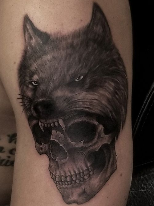 Skull and wolf headdress. #skull #skulltattoo #wolf #wolftattoo #realism #realistictattoo #blackandgrey #blackandgreytattoo #guyswithtattoos #knoxville #knoxvilletattoo