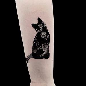 Cats #contemporarytattooing #flashworkers #blacktraditionals #onlythedarkest #tattooart #tattooartist #torontotattoo #blxckink #iblackwork #torontoinknews #illustration #tattooflashart #tttism #bnginksociety #blacktattooart #blaxktattoo #minimalisttattoo #blackwork #blackworkers #darkartists #blackworktattoo #blackworkers_tattoo #btattooing #darkart#blacktattoomag #tattooflash #blackworkerssubmission #boldwillhold #TAOT #inkstinctsubmission