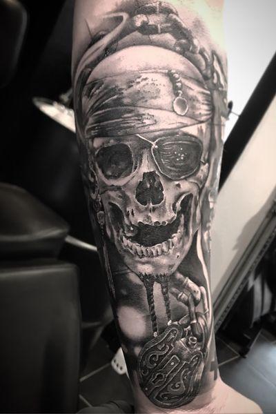 Pirate ☠️ #blackandgrey #fineline #blackandgreytattoo #pirate #piratetattoo #skull #forearmtattoo #bngtattoo