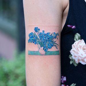 Tattoo by Zihee #Zihee #painterlytattoos #fineart #watercolor #VanGogh #painting #flower #floral #vase