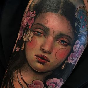 Tattoo by Aimee Cornwell #AimeeCornwell #painterlytattoos #fineart #portrait #ladyhead #lady #artnouveau #flowers #floral #nature