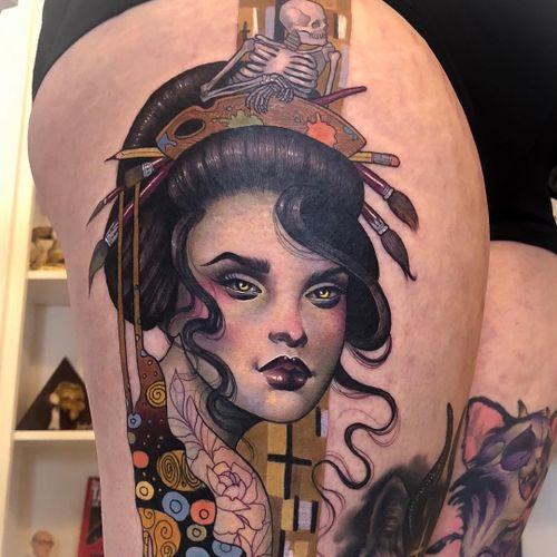Tattoo by Hannah Flowers #HannahFlowers #painterlytattoos #fineart #ladyhead #lady #portrait #palette #skeleton #skull #GustaveKlimt #rose #floral #pattern #flower #paintbrush #artist