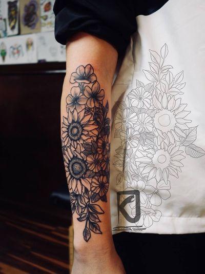 #fineline #linework and #dotwork #floral #sunflower piece. #tattoooftheday