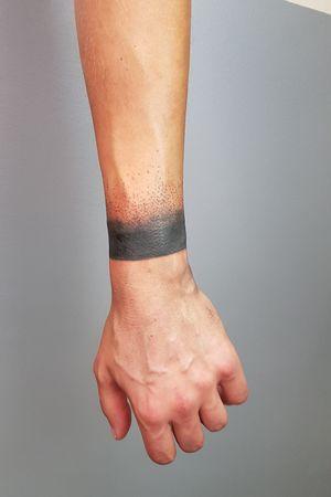 Black dot band #Black #blackarmband #dotworktattoos #dotwork