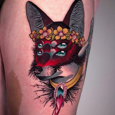 Tattoo by Igor Puente #IgorPuente #sparklytattoos #sparkly #glittery #glitter #sparkle #stars #ornamental #beautiful #fox #animal #flwoers #floral #collar #gem #crystal #pearls #darkart