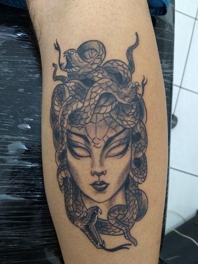 #jellyfish #jellyfishtattoo #medusatattoo #tatuagemmedusa #medusa #snaketattoo #snakes