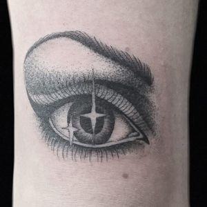 Tattoo by Hanna Sandstrom #HannaSandstrom #sparklytattoos #sparkly #glittery #glitter #sparkle #stars #ornamental #beautiful #eye #eyetattoo #stars #oldschool #illustrative #blackandgrey