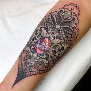 Tattoo by Jenna Kerr #JennaKerr #sparklytattoos #sparkly #glittery #glitter #sparkle #stars #ornamental #beautiful #diamond #gem #pearls #filigree #lace