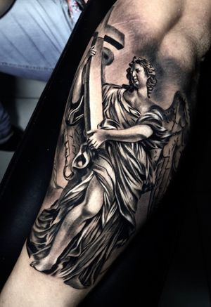 5h de trampo #angel #religion #statue #blackandgreytattoo #blackandgrey #intenzepride