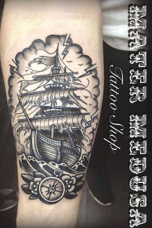 Sailing #claudiaducalia #matermedusa #velierotattoo #sailingshiptattoo #wavetattoo #traditionaltattoo #neotraditaly #blackandwhitetattoo #blackworkers #lostatsea #marinaiperduti #best_italian_tattooers #bestoftheday #tattoooftheday #tattooofinstagram #matermedusatattooshop #newtattoo #armtattoo #navytattoo #tattooitalia #pirateship #ghostshiptattoo #besttattoo #tattoodo #tattoomadeinitaly #btattooing
