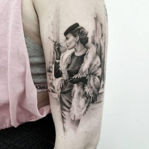 Tattoo by Zlata Kolomoyskaya #ZlataKolomoyskaya #GoldyZ #ladytattoo #babe #lady #woman #portrait #vintage #50s #fashion #pinup