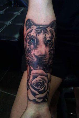 Tiger - Rose www.passion4pain.com #tiger #rose #aryadewa #seminyak #legian #kuta #bali #balitattoo #tattoo #tattoos #latepost #tattoobali #indonesia