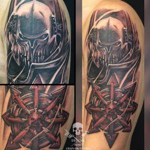 Schönes Wochenende, Anfang vom #armsleeve als #warhammertattoo . 📸@crazy.ink.tattoo.berlin⠀⠀⠀⠀⠀⠀ . Achtung! Nächsten Monat noch Termine frei! . Infos wie immer 017627112764 auch WhatsApp...⠀⠀ . http://crazy-ink-tattoo.de . http://facebook.com/crazy.ink.tattoo.berlin . http://instagram.com/crazy.ink.tattoo.berlin . . . . . #tattoo #tattoos #berlin #tattooberlin #berlintattoo #tattoomoabit #berlintattoostudios #crazyink #crazyinkberlin #crazyinktattoo #crazyinktattooberlin #khornechampion #fantattoo #fantasytattoo #blackngrey #tattoist #realistiktattoo #gametattoo #realistictattoo #berlintattooartist #berlintattooartists #classpen #worldfamousink #kwadron #armtattoo #tattooart #blackandgreytattoosleeve #gametattoos