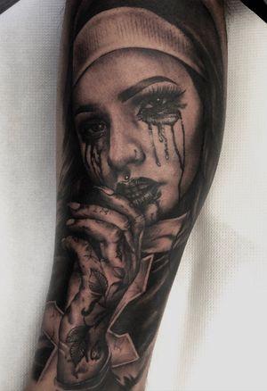 Fun one today! Would looove to do more stuff like this! #tattoo #tattooidea #tattooideas #nun #nuntattoo #horror #horrortattoo #dark #darkart #portrait #sexynun #ink #design #tattoodesign #legtattoo #tattoooftheday
