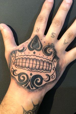 Hand Mexican Skull 💀 #mexicanskull #skull #handtattoo #teschio #mano #black #horror #mask #maschera #death #ethernalink
