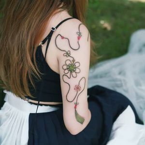 Tattoo by Tattooist Sion #TattooistSion #koreantattooartist #Korea #neotraditional #color #beautiful #knot #flower #folkart #ribbon #pattern