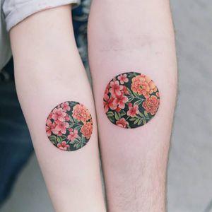 Tattoo by Tattooist Sion #TattooistSion #koreantattooartist #Korea #neotraditional #color #beautiful #flower #folkart #coupletattoo #matchingtattoo