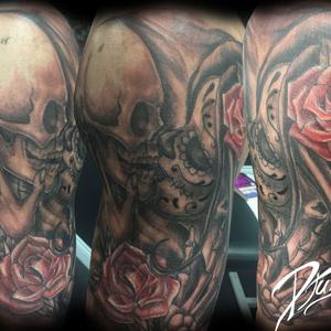 Death Kiss. Baiser de la mort. Crâne et squelette embrassant une muerta mexicaine de day of the dead. Une rose est présente.scull et muerta. #muerta #scull #kiss #baiser