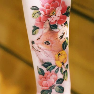 Tattoo by Tattooist Sion #TattooistSion #koreantattooartist #Korea #neotraditional #color #beautiful #knot #flower #folkart #fox #animal #peony #scarcoverup