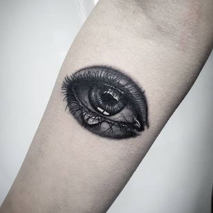 Tattoo by Fabio Marinetti #FabioMarinetti #blackandgreytattoos #blackandgrey #eye #realistic #realism #hyperrealism #tear #eyelashes