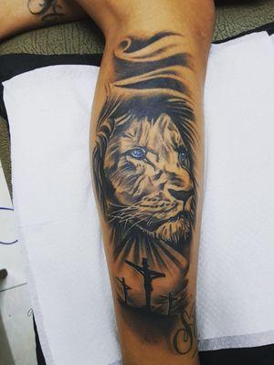 #tattoooftheday #blackandgreytattoo #realist #inked #instaink #liontattoo #tattooart #inkartwork #mauritiustattoo #inkaddiction #inkfected #fearlessink