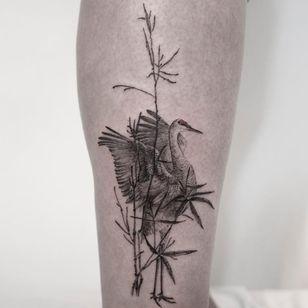 Tattoo by Hongdam #Hongdam #blackandgreytattoos #blackandgrey #illustrative #crane #bird #nature #animal #plant #leaves #bamboo