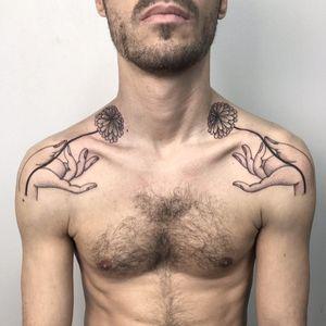 Tattoo by Alvaro Grozny #AlvaroGrozny #perfectlyplacedtattoos #placement #blackandgrey #illustrative #mudra #flower #floral
