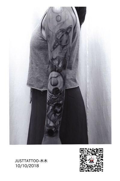 Tattoo by Momo tattooist. Wechat:Justtattoo02 Guangzhou Tattoo - #Justtattoo #GuangzhouTattoo #OriginalTattoo #TattooManuscript #TattooDesign #TattooFemaleTattooist #blackandwhite #blackandwhitetattoo #blackandgray #blackandgraytattoo #smogtattoo #planet #planettattoo #cosmos #cosmostattoo #interstellar #interstellartattoo #fineline #finelinetattoo