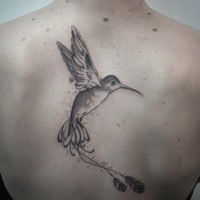 #photooftheday #tattoo #hummingbird #hummingbirdtattoo #colibri #colibritattoo #birdtattoo #dot #dots #dotwork #dotworktattoo #dottattoo #dotworkers #stipple #stippletattoo #petitspoints #girltattoo #blackandgreytattoo #blackandwhitetattoo #lespetitspointsdefanny
